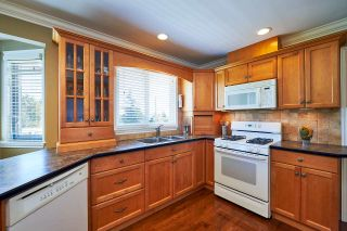 Photo 6: 1313 KENT Street: White Rock House for sale (South Surrey White Rock)  : MLS®# R2247983