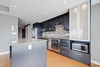 Photo 10: 1709 888 4 Avenue SW in Calgary: Downtown Commercial Core Apartment for sale : MLS®# A1109615