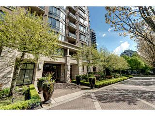 """Photo 1: 303 170 W 1ST Street in North Vancouver: Lower Lonsdale Condo for sale in """"ONE PARKLANE"""" : MLS®# V1117348"""