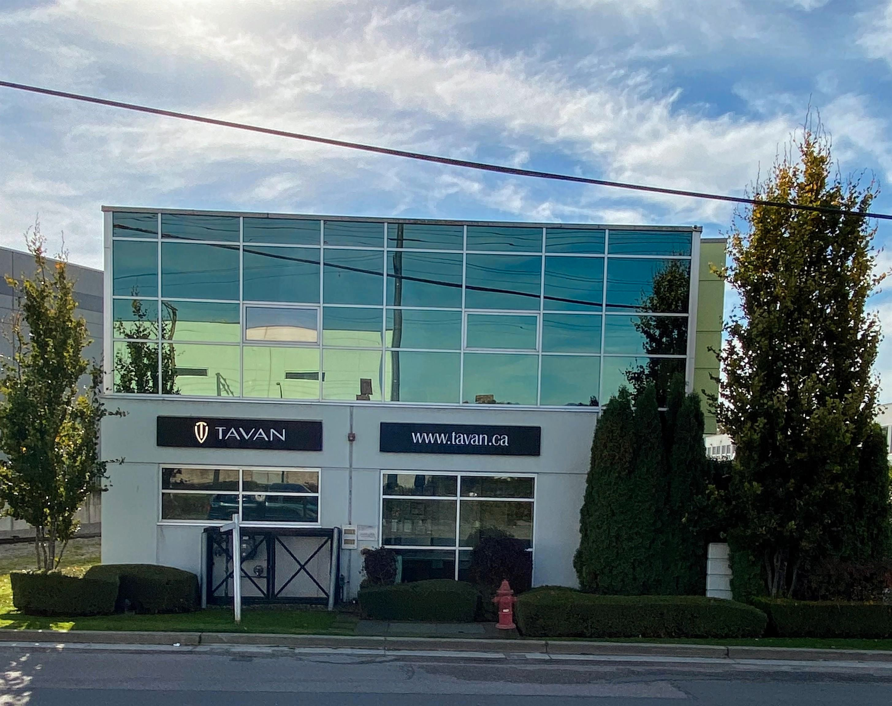 """Main Photo: 150 628 E KENT AVENUE SOUTH in Vancouver: South Marine Industrial for sale in """"RIVERSHORE BUSINESS PARK"""" (Vancouver East)  : MLS®# C8040656"""