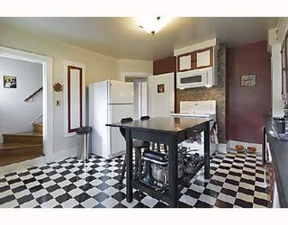 """Photo 3: 2366 CHARLES Street in Vancouver: Grandview VE House for sale in """"COMMERCIAL DRIVE"""" (Vancouver East)  : MLS®# V706768"""