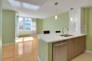 """Photo 10: 401 1406 HARWOOD Street in Vancouver: West End VW Condo for sale in """"JULIA COURT"""" (Vancouver West)  : MLS®# R2568055"""