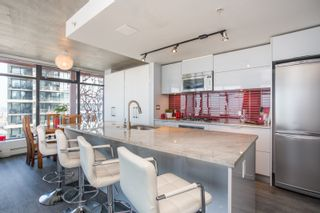 """Photo 4: 2503 128 W CORDOVA Street in Vancouver: Downtown VW Condo for sale in """"WOODWARDS W43"""" (Vancouver West)  : MLS®# R2506650"""