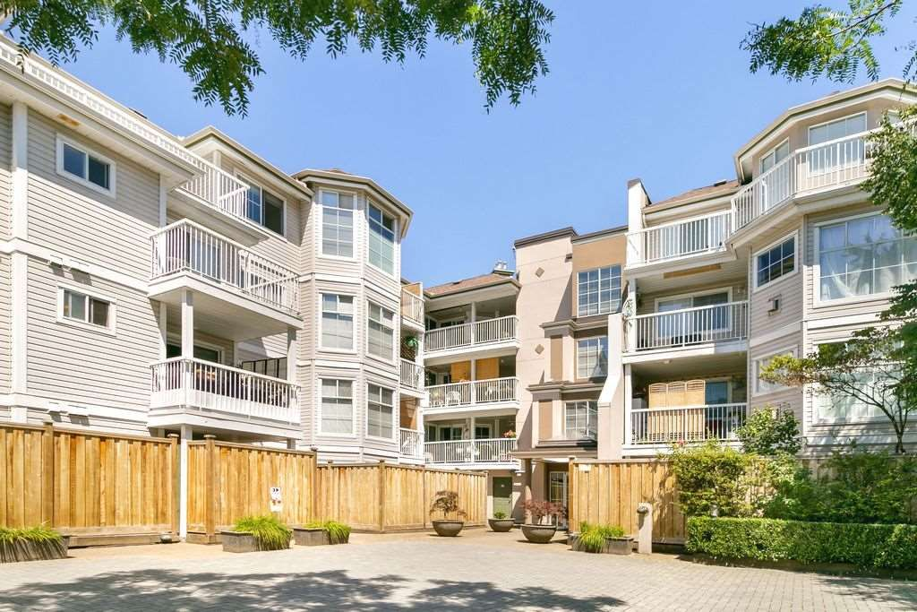 "Main Photo: 305 2678 DIXON Street in Port Coquitlam: Central Pt Coquitlam Condo for sale in ""SPRINGDALE"" : MLS®# R2289176"