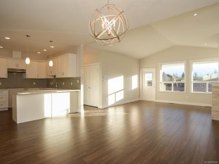 Photo 2: 3391 HARBOURVIEW Boulevard in COURTENAY: CV Courtenay City House for sale (Comox Valley)  : MLS®# 795980