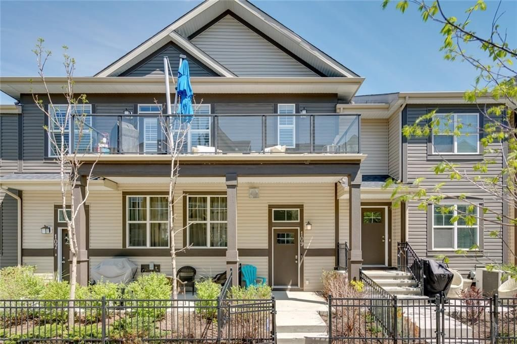 Main Photo: 109 Mckenzie Towne Square SE in Calgary: McKenzie Towne Row/Townhouse for sale : MLS®# A1126549