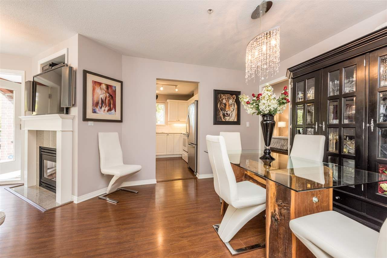 """Photo 5: Photos: 101 130 W 22 Street in North Vancouver: Central Lonsdale Condo for sale in """"THE EMERALD"""" : MLS®# R2159416"""