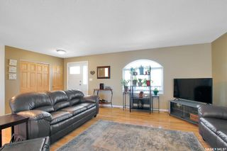 Photo 2: 714 McIntosh Street North in Regina: Walsh Acres Residential for sale : MLS®# SK849801