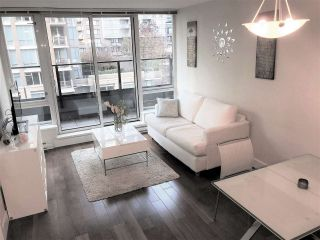 """Photo 2: 710 1088 RICHARDS Street in Vancouver: Yaletown Condo for sale in """"Richards Living"""" (Vancouver West)  : MLS®# R2349020"""