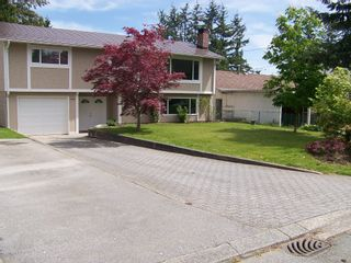 Photo 2: 1960 LILAC Drive in Surrey: King George Corridor House for sale (South Surrey White Rock)  : MLS®# F1014745