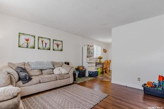Photo 3: 3226 Massey Drive in Saskatoon: Massey Place Residential for sale : MLS®# SK860135