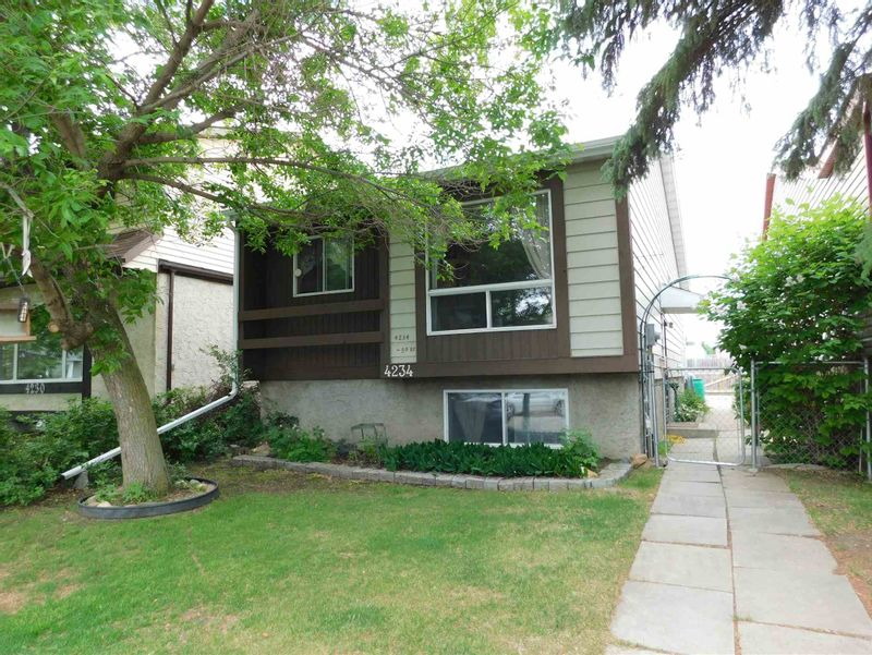 FEATURED LISTING: 4234 50 Street Gibbons