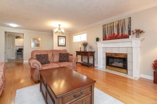 Photo 8: 4 106 Aldersmith Pl in : VR Glentana Row/Townhouse for sale (View Royal)  : MLS®# 871016