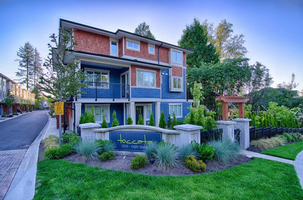 Main Photo: 27 2929 156 Street in Surrey: Grandview Surrey Townhouse for sale (South Surrey White Rock)  : MLS®# R2045084