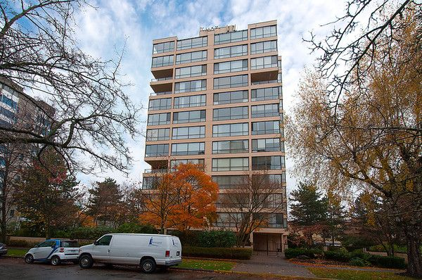 """Main Photo: # 201 2115 W 40TH AV in Vancouver: Kerrisdale Condo for sale in """"REGENCY PLACE"""" (Vancouver West)  : MLS®# V1036261"""