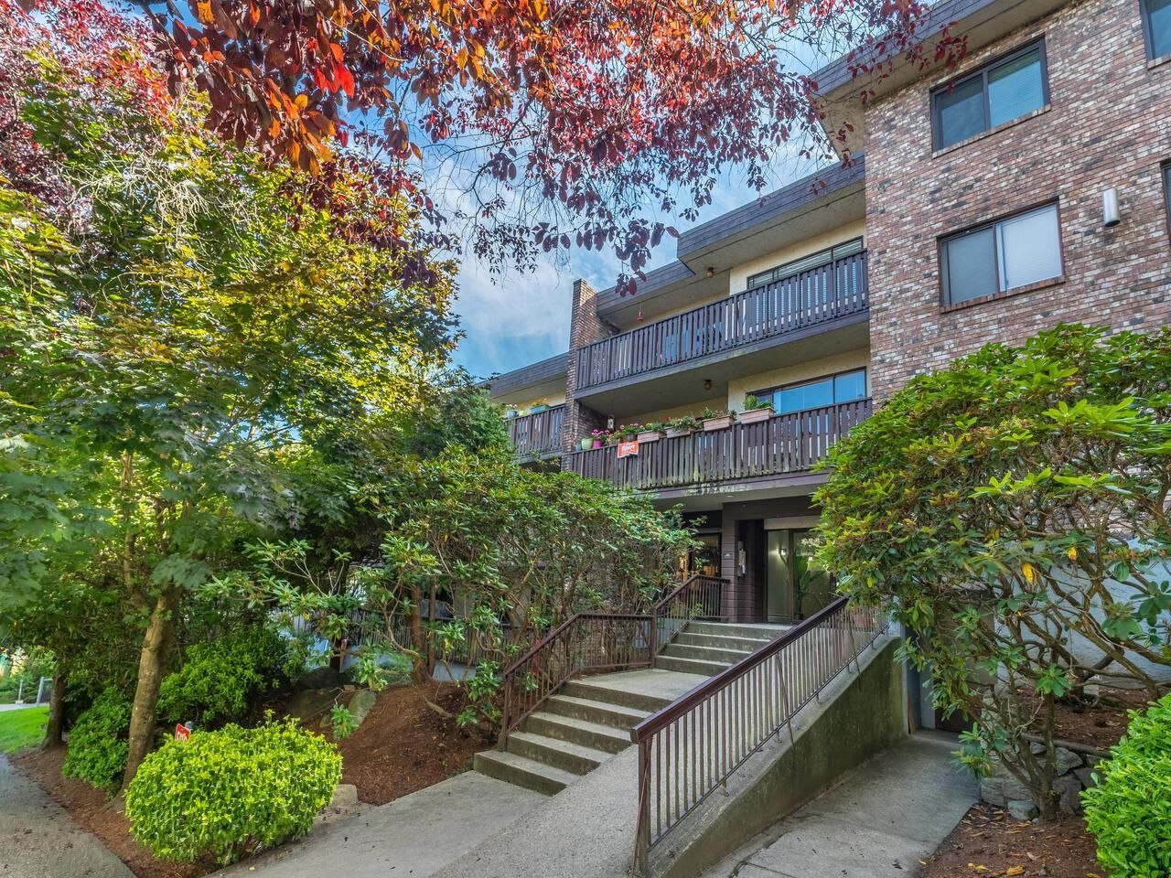"""Main Photo: 305 930 E 7TH Avenue in Vancouver: Mount Pleasant VE Condo for sale in """"Windsor Park"""" (Vancouver East)  : MLS®# R2617396"""