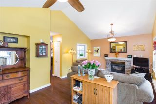 """Photo 2: 66 12099 237 Street in Maple Ridge: East Central Townhouse for sale in """"Gabriola"""" : MLS®# R2363906"""