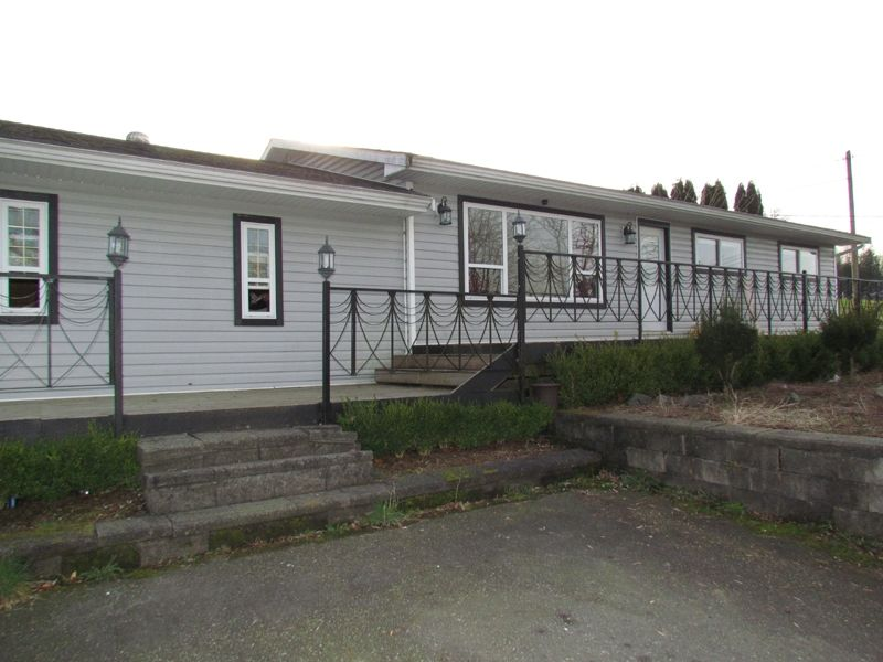 Main Photo: 33408 CLAYBURN RD in ABBOTSFORD: Central Abbotsford House for rent (Abbotsford)
