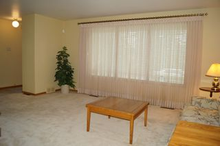 Photo 11: 11 Kirby Drive in Winnipeg: Single Family Detached for sale (Heritage Park)  : MLS®# 1614573