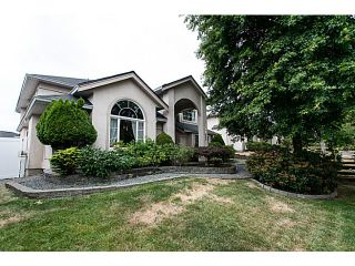 Photo 1: 19122 64 Avenue in Surrey: Cloverdale BC House for sale (Cloverdale)  : MLS®# F1446723