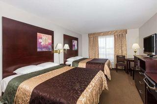 Photo 3: 42 AV: Innisfail Hotel/Motel for sale : MLS®# C4188590
