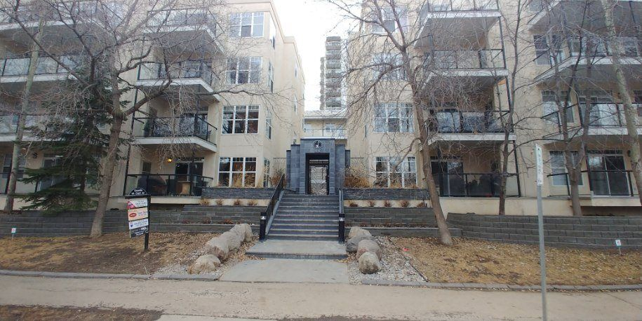 Main Photo:  in Edmonton: Zone 12 Condo for sale : MLS®# E4234336