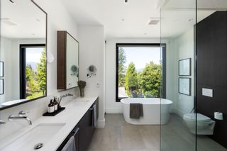 Photo 25: 276 SANDRINGHAM Crescent in North Vancouver: Upper Lonsdale House for sale : MLS®# R2617703