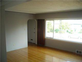 Photo 4: 6744 BURNS Street in Burnaby: Upper Deer Lake House for sale (Burnaby South)  : MLS®# V844970