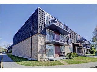 Photo 1: 21C 80 GALBRAITH Drive SW in Calgary: Glamorgan Condo for sale : MLS®# C4061814