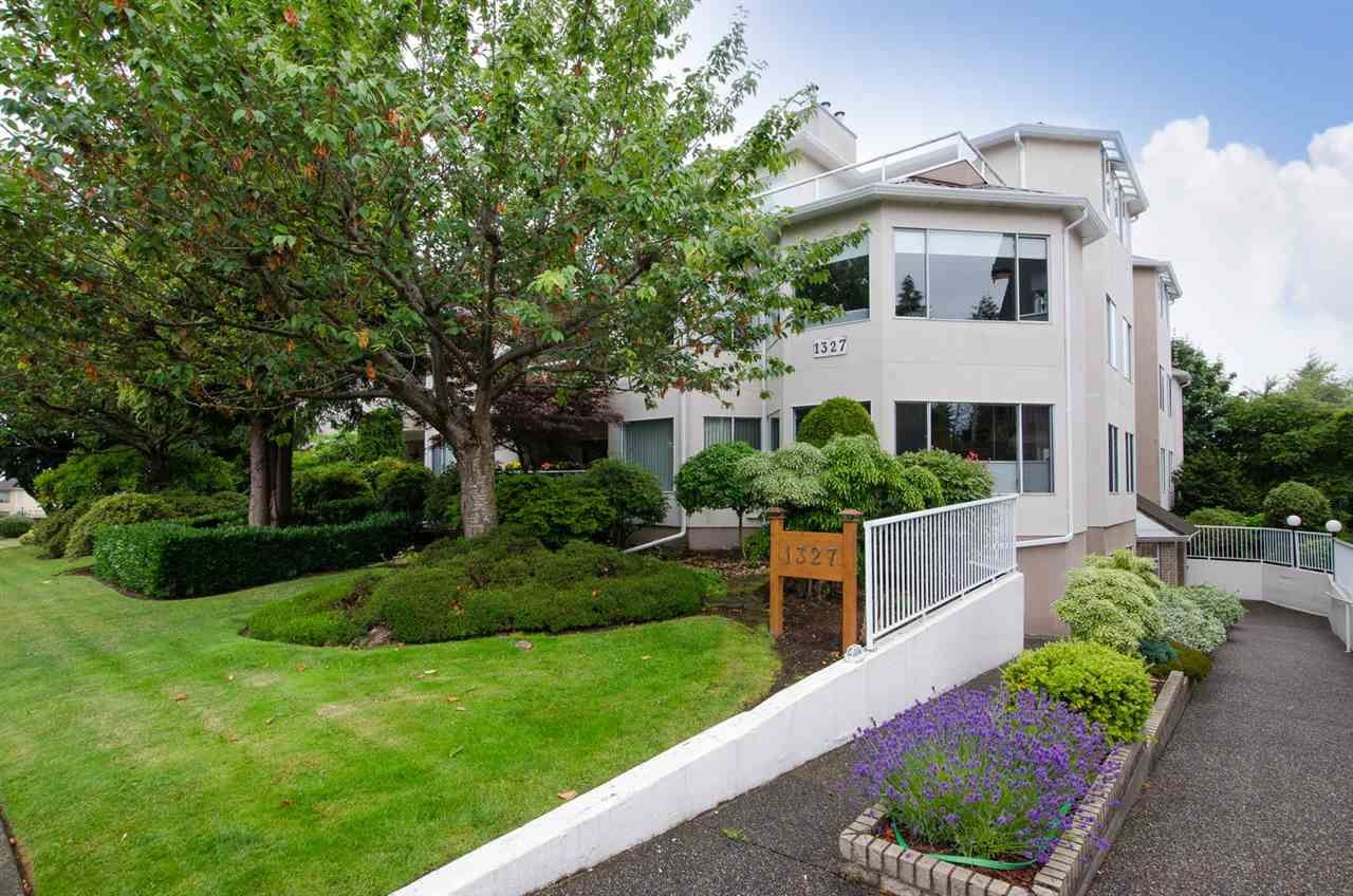 """Photo 2: Photos: 104 1327 BEST Street: White Rock Condo for sale in """"Chestnut Manor"""" (South Surrey White Rock)  : MLS®# R2339263"""