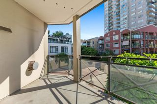 """Photo 34: 207 5 RENAISSANCE Square in New Westminster: Quay Townhouse for sale in """"THE LIDO"""" : MLS®# R2617609"""