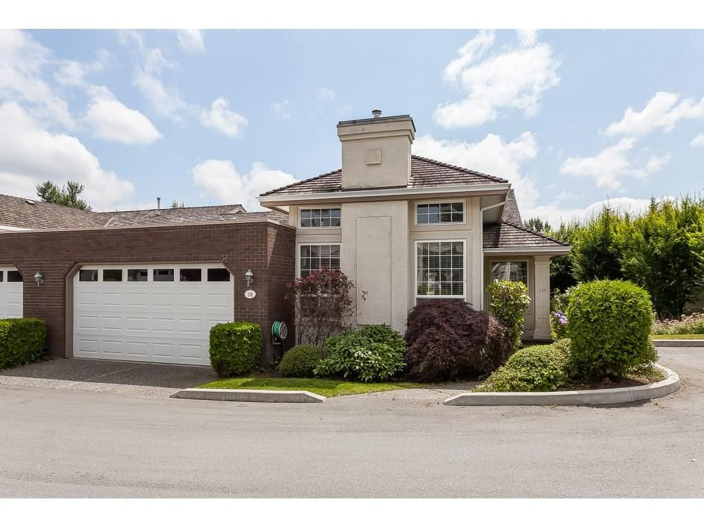 """Main Photo: 30 31450 SPUR Avenue in Abbotsford: Abbotsford West Townhouse for sale in """"Lakepointe Villas"""" : MLS®# R2475174"""