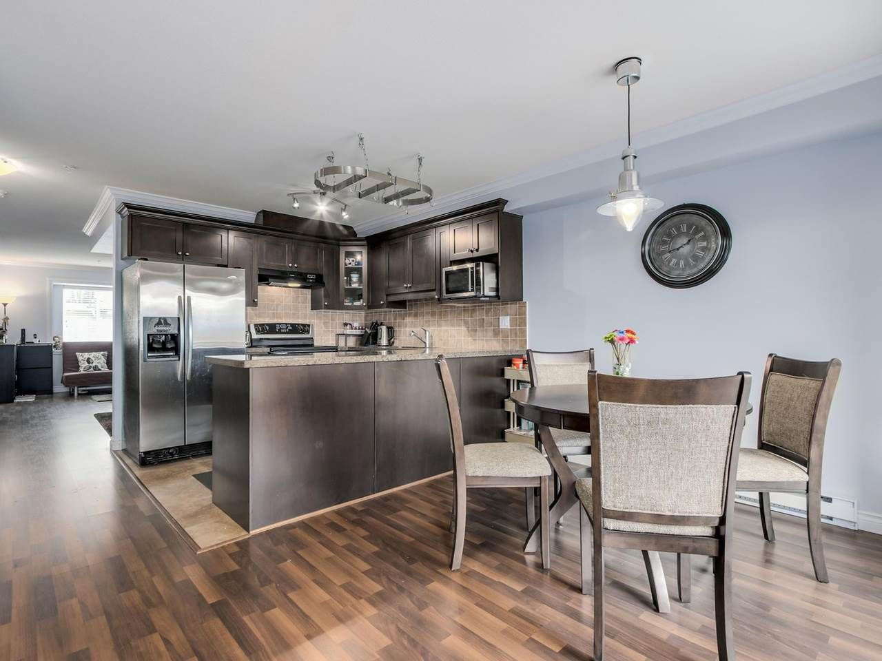 """Photo 6: Photos: 10 11255 132 Street in Surrey: Bridgeview Townhouse for sale in """"FRASERVIEW TERRACE"""" (North Surrey)  : MLS®# R2086692"""