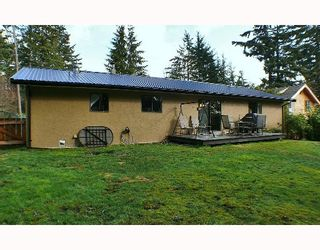 Photo 10: 1099 MALAVIEW Road in Gibsons: Gibsons & Area House for sale (Sunshine Coast)  : MLS®# V696259