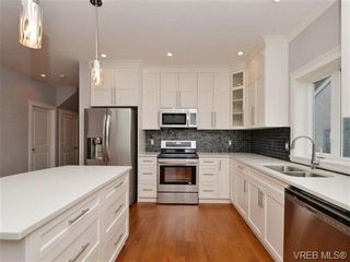 Photo 3: 1025 Fashoda Pl in VICTORIA: La Happy Valley House for sale (Langford)  : MLS®# 691084