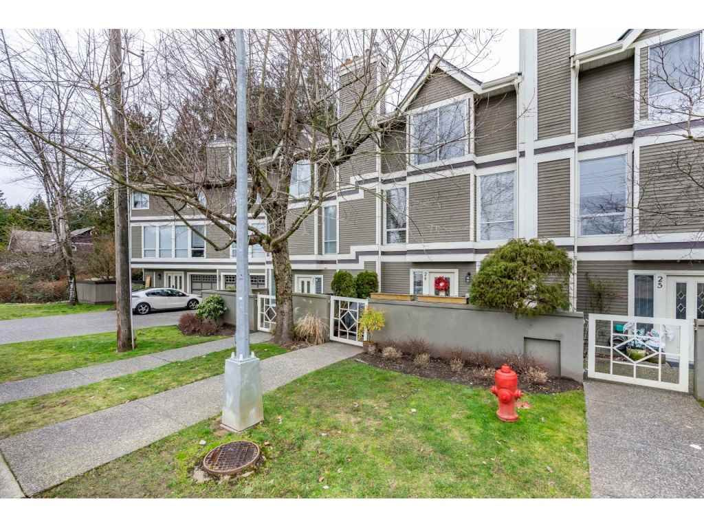 "Main Photo: 24 3228 RALEIGH Street in Port Coquitlam: Central Pt Coquitlam Townhouse for sale in ""Maple Creek"" : MLS®# R2544476"