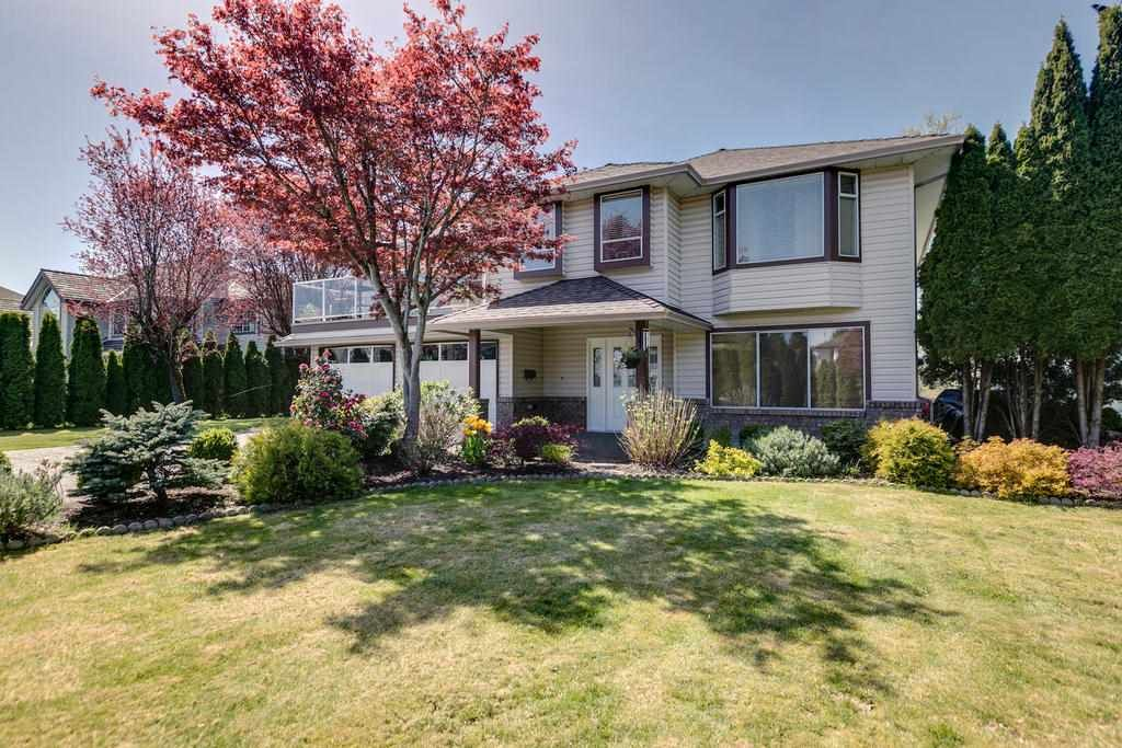 """Photo 3: Photos: 12403 188 Street in Pitt Meadows: West Meadows House for sale in """"HIGHLAND PARK AREA"""" : MLS®# R2261078"""