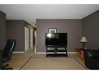 Photo 5: 235 RUNDLECAIRN Road NE in CALGARY: Rundle Residential Detached Single Family for sale (Calgary)  : MLS®# C3636515