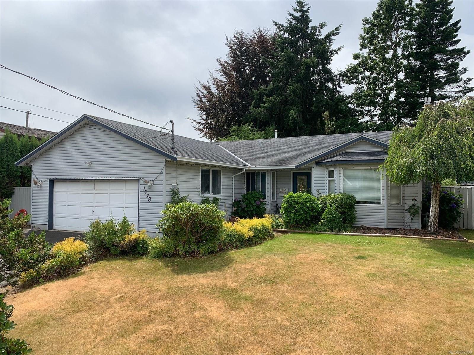 Main Photo: 1578 Juniper Dr in : CR Willow Point House for sale (Campbell River)  : MLS®# 882398