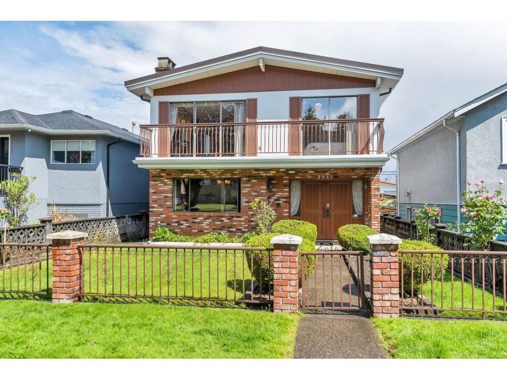 Main Photo: 2551 NAPIER STREET in Vancouver: Renfrew VE House for sale (Vancouver East)  : MLS®# R2593810