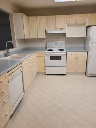 "Photo 7: 204 15440 VINE Avenue: White Rock Condo for sale in ""The Courtyard"" (South Surrey White Rock)  : MLS®# R2515497"