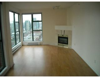 "Photo 7: 2107 939 HOMER Street in Vancouver: Downtown VW Condo for sale in ""THE PINNACLE"" (Vancouver West)  : MLS®# V746950"