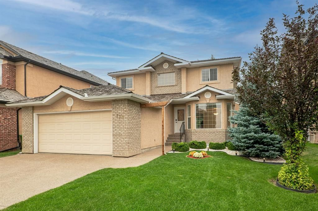 Main Photo: 139 Royal Terrace NW in Calgary: Royal Oak Detached for sale : MLS®# A1139605