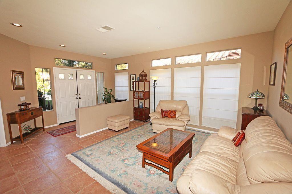 Photo 6: Photos: EAST ESCONDIDO House for sale : 5 bedrooms : 2329 fallbrook in Escondido