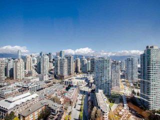 "Photo 8: 3202 198 AQUARIUS Mews in Vancouver: Yaletown Condo for sale in ""Aquarius2"" (Vancouver West)  : MLS®# R2450053"