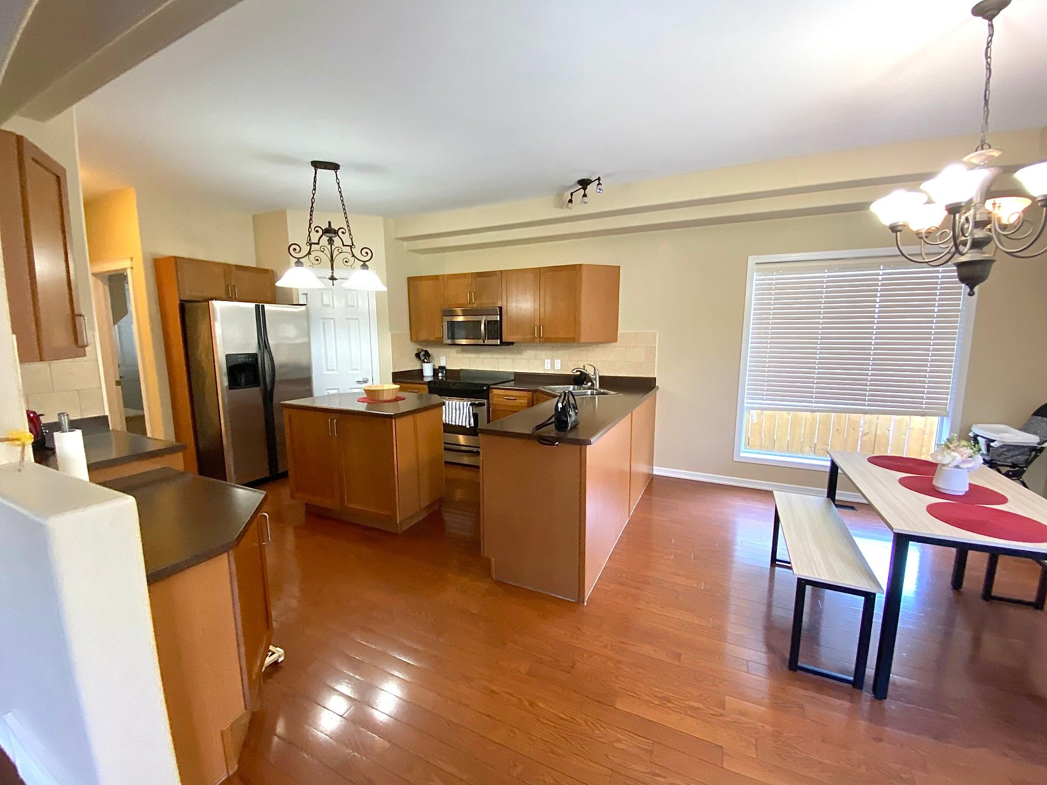 Main Photo: 648 Gessinger Rd in Edmonton: House for rent