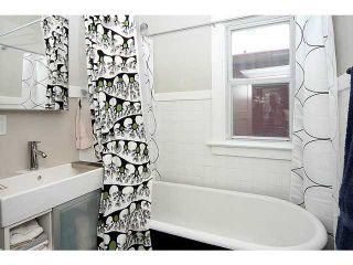 Photo 2: 132 19 Avenue NE in CALGARY: Tuxedo Residential Detached Single Family for sale (Calgary)  : MLS®# C3626887