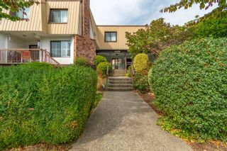 """Photo 1: 9 46085 GORE Avenue in Chilliwack: Chilliwack E Young-Yale Townhouse for sale in """"Sherwood Gardens"""" : MLS®# R2621838"""