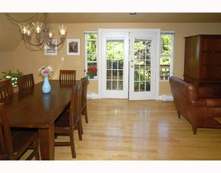 Photo 4: 2 2540 MANITOBA Street in Vancouver: Mount Pleasant VW 1/2 Duplex for sale (Vancouver West)  : MLS®# V657129