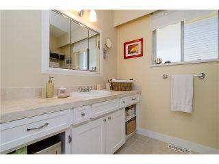 Photo 15: 988 STEVENS Street: White Rock Home for sale ()  : MLS®# 988 STEVENS ST